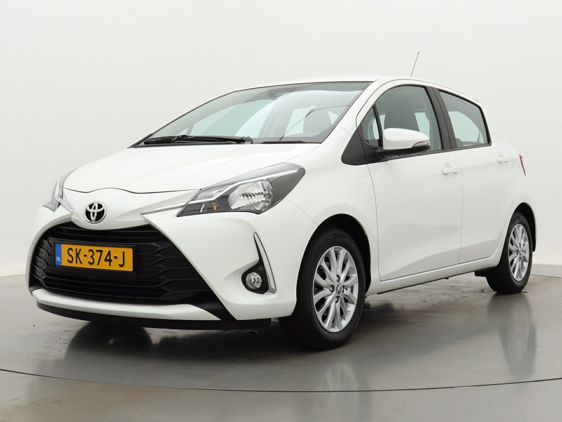 Toyota Yaris | Short Lease 1.0 VVT-i Comfort