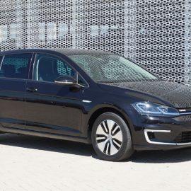 Volkswagen Golf 35.8kWh e-golf 100kW aut (PL-656-K)
