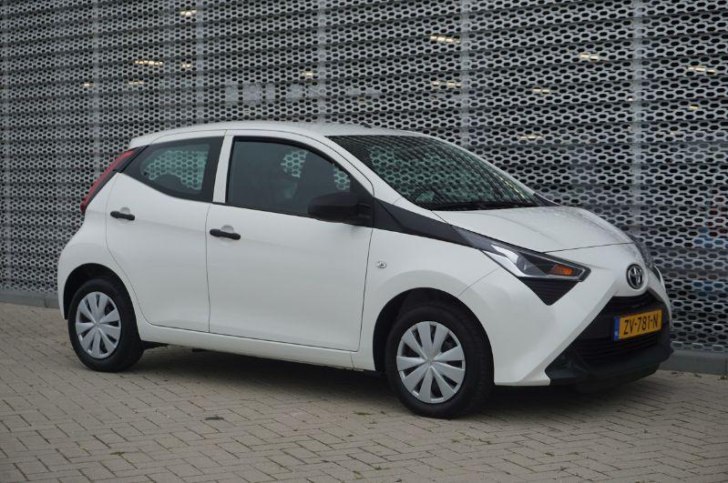 Toyota Aygo 1.0vvti x-fun 53kW AIRCO+BLUETOOTH (ZV-781-N)